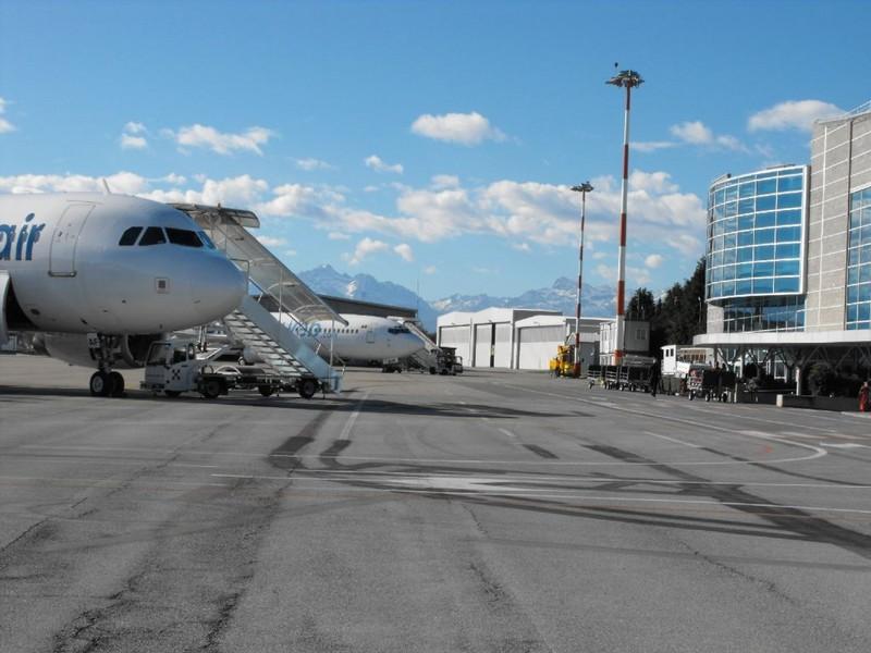 Aeroporto Aosta : Aeroporti possibile filo rosso rilancio corrado gex e