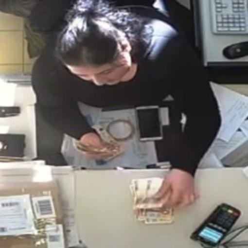 Vincenza Lei in un fotogramma della videoregistrazione effettuata dai carabinieri