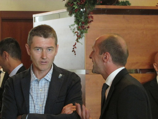 L'assessore regionale alle Attività produttive e Ambiente, Fabrizio Roscio con il collega ed ex assessore Luca Bianci