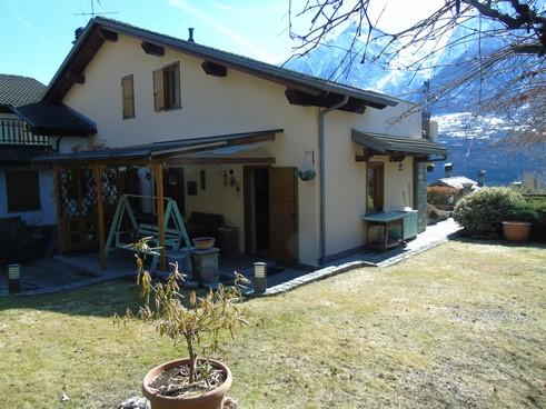 Casa subito in valle d 39 aosta grande villa in vendita nel for Grande villa in vendita