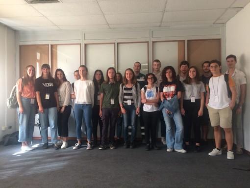 Un gruppo di giovani coinvolti, lo scorso anno,  nella prima esperienza di alternanza scuola-lavoro targata Cogne Acciai Speciali