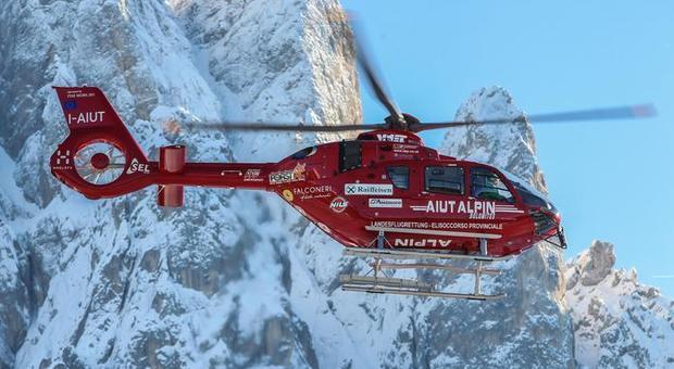 Altra tragedia in montagna: sciatore italiano muore sulle Alpi svizzere