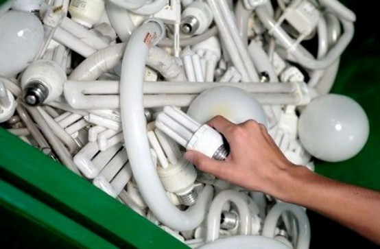 Energia lampadine esauste in valle raccolta scarsa for Lampadine basso consumo philips