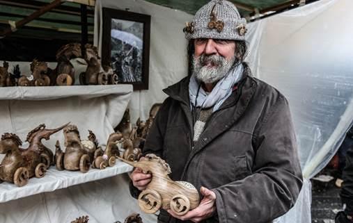 La tradizione dell artigianato anima la vall e si prepara for Cabina di montagna grande orso