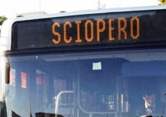 Calendario Scioperi Trasporti.Trasporti Scioperi In Arrivo Partenze A Arrivi Tra Ingorghi