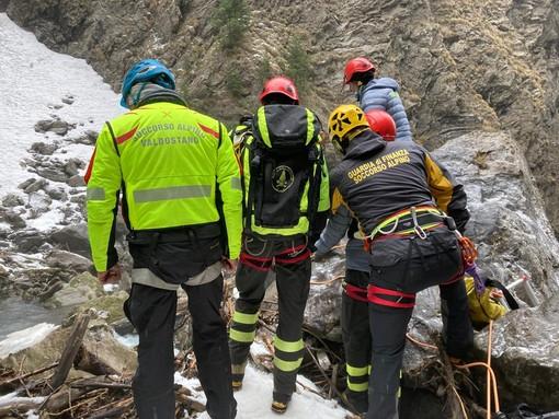 I soccorritori giunti sul luogo dell'incidente poterono solo constatare la morte dell'operaio