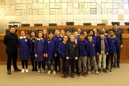 Visita all'Aula consiliare della classe 5a B della scuola primaria San Francesco di Aosta