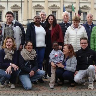 Un gruppo di volontarie e volontari di 'Ana Moise' (immagine di archivio)
