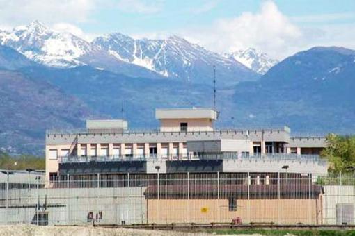 Scoperti telefoni cellulari nel carcere di Brissogne