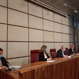 La Giunta regionale da sn: Mauro Baccega, Chantal Certan, il presidente Renzo Testolin, Albert CHatrian e Luigi Bertschy