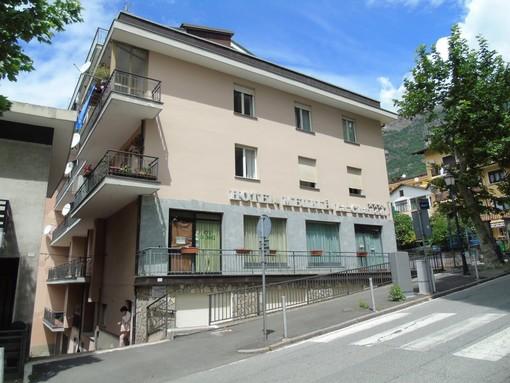 CASA SUBITO IN VALLE D'AOSTA: Alloggio con 2 camere in vendita a Saint Vincent, via Duca d'Aosta