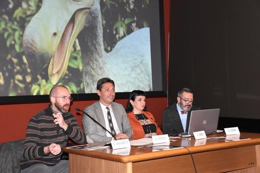 Simone Maganuco, curatore della mostra, l'assessore Laurewnt Viérin, Cinzia Joeis e Gianfranco Zidda, responsabile dell''Area megalitica