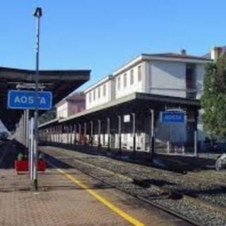 Si riduce da 28 a 16 giorni la chiusura estiva della ferrovia Aosta-Ivrea