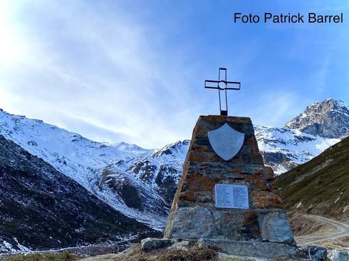 Il monumento commemorativo alla Grand Alpe di Valgrisenche