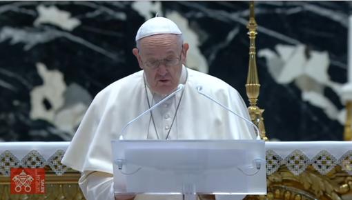 Urbi et Orbi, il Papa: l'annuncio di Pasqua aiuti a vincere la mentalità della guerra