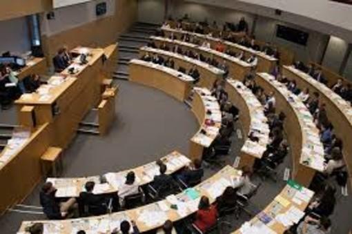 Parlement Jeunesse 2020 Wallonie-Bruxelles: avis de concours à l'intention des jeunes valdôtains