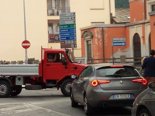 Aosta: Da Confcommercio Vda a privati cittadini, sette 'osservazioni' al Piano di traffico
