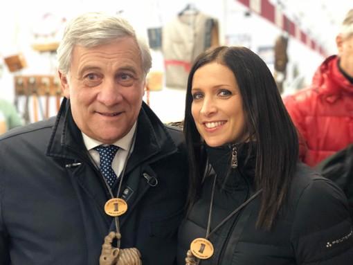 Emily Riny in una foto di repertorio con ol vice presidente di Forza Italia, Antonio Tajani