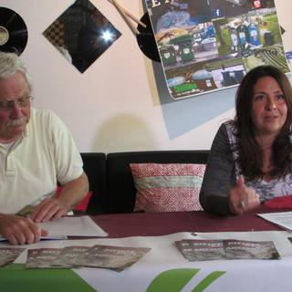 Paolo Meneghini e Jeanne Cheillon durante un'iniziativa di Valle Virtuosa
