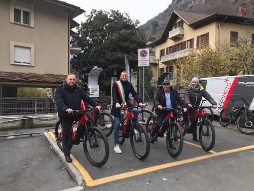 Verres: Tutti in bici con pedalata assistita contro i mutamenti climatici