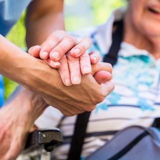 Aosta: Aumentate ore per assistenza anziani in struttura
