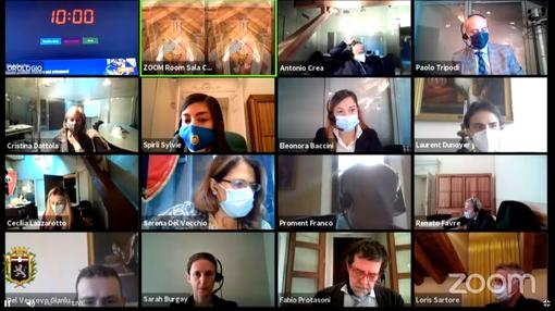 Una delle ultime videoconferenze del Consiglio comunale di Aosta