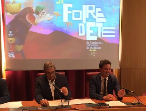 Il Presidente della Giunta, Antonio Fosson e l'assessore regionale Laurent Vierin durante la presentazione del programma estivo