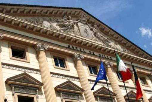 Aosta: Sindacati chiedono al sindaco di esprimersi su servizi gestiti da Vivenda
