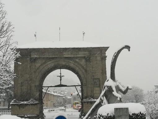 Maltempo, chiusa strada Val Ferret a Courmayeur, nevicate previste fino a sabato