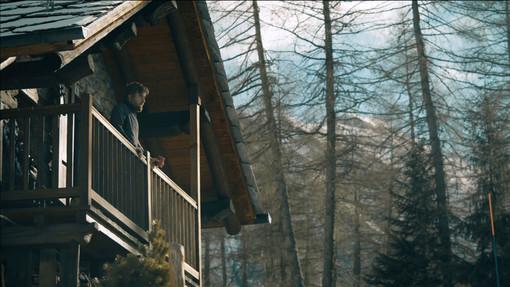 Paolo Cognetti in due immagini del documentario