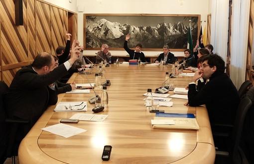 Courmayeur: Dimessi otto consiglieri comunali, Comune verso commissariamento