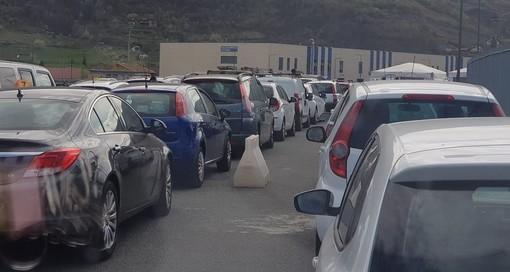 Paralisi al Drive-in tamponi alla Pepinière, ore di attesa e la Usl si scusa