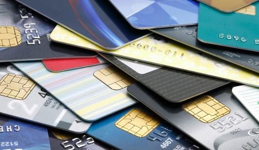 Carte di credito nel 2021: il costo di attivazione si abbassa del 22,18%