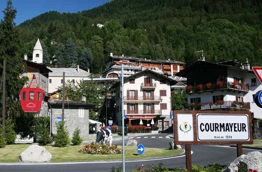 Rinvio a giudizio  e condanne per rissa su piste sci Courmayeur
