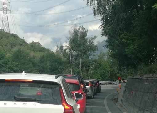 Statale 26 Aosta-Courmayeur semiparalizzata dai cantieri stradali