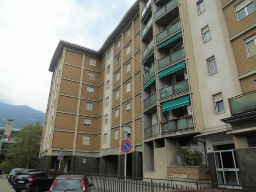 CASA SUBITO IN VALLE D'AOSTA: Alloggio con 2 camere ad Aosta, via Chambéry