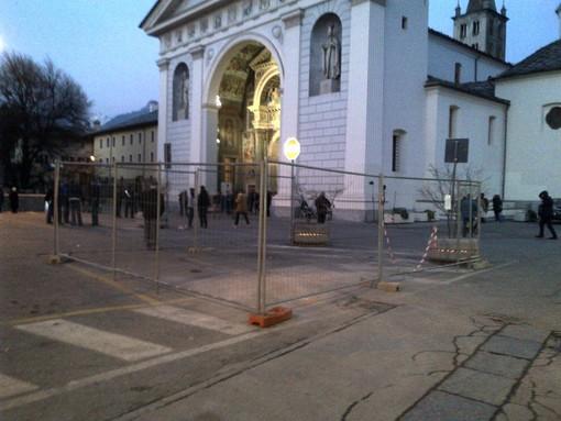 Aosta: Ripresi lavori in piazza Cattedrale, circolazione modificata