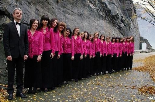 A Donnas 'passeggiata cantata' tra storia e tradizioni con il Coro Viva Voce