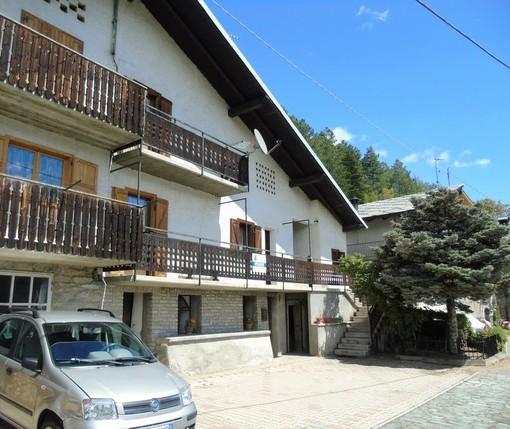 CASA SUBITO IN VALLE D'AOSTA: Porzione di casa in vendita a Verrayes, fr. Vrignier