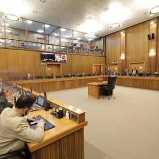 Palaindoor, piano vaccini e modifiche a Regolamento Assemblea temi clou del Consiglio Valle