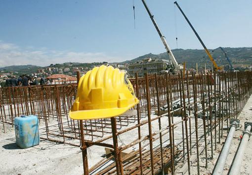 Borrello agli edili 'assieme rilanciamo il comparto e l'economia'