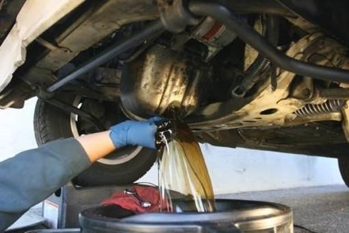 Filtro olio motore, ecco ogni quanto serve davvero cambiarlo