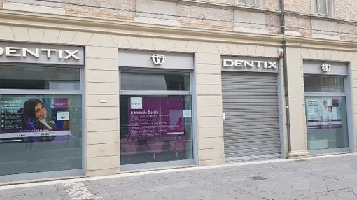 Fallimento della catena odontoiatrica Dentix lascia centinaia di pazienti senza cure e con ingenti prestiti