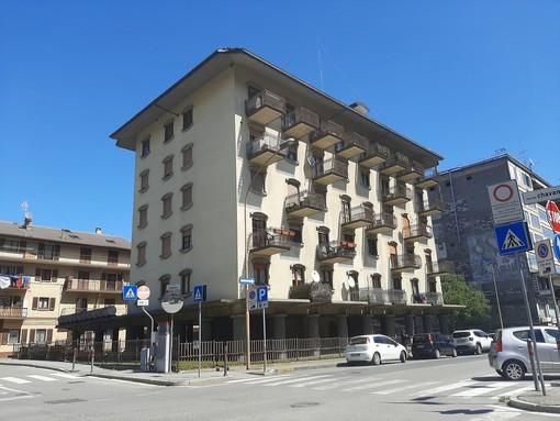 CASA SUBITO IN VALLE D'AOSTA: Alloggio all'ultimo piano in vendita ad Aosta, via Chambéry