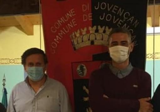 Il sindaco di Jovençan, Riccardo Desaymonet e il suo vice, Stefano Belli