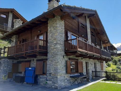 CASA SUBITO IN VALLE D'AOSTA: Splendida villa in bifamiliare a Cogne, fr. Gimillan