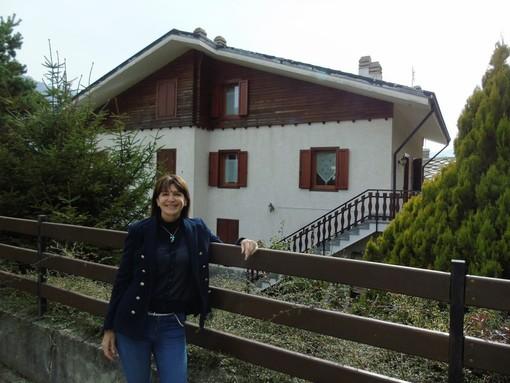CASA SUBITO IN VALLE D'AOSTA: Alloggio indipendente con area verde a Challand-Saint-Anselme, fr. Orbeillaz