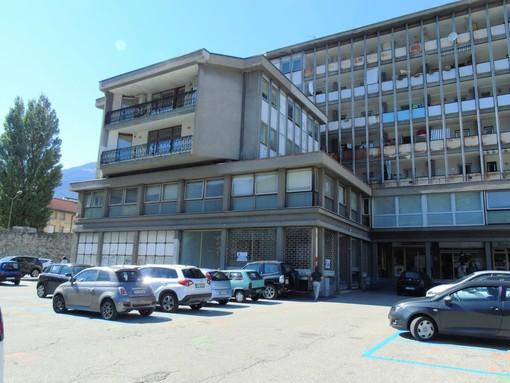 CASA SUBITO IN VALLE D'AOSTA: Locale commerciale in centro Aosta, Piazza Cavalieri di Vittorio Veneto