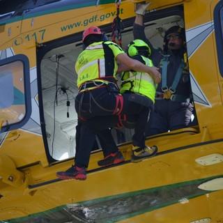 Un intervento dell'elicottero del Soccorso alpino valdostano
