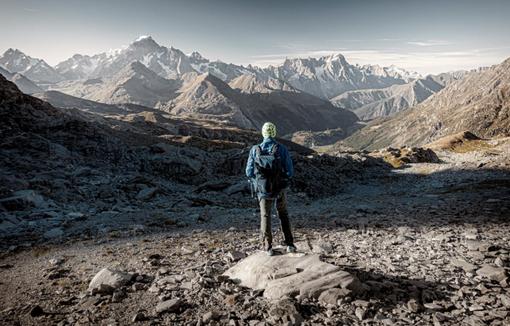 The Hidden Wilderness Ring, la pura magia del territorio alpino intorno al paese di La Thuile, nella mostra fotografica di Luca Fontana
